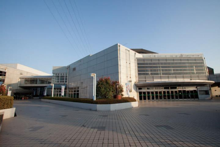 年間利用者数は延べ54万人! 県内2番目の大きさを誇る総合体育館。